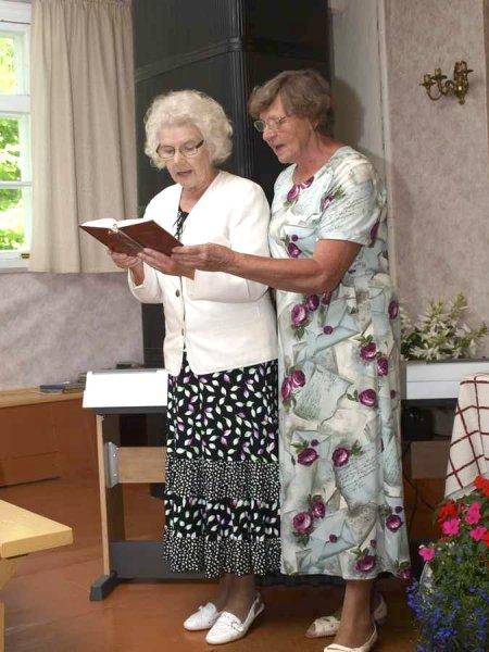 Laulavad Leisi õed